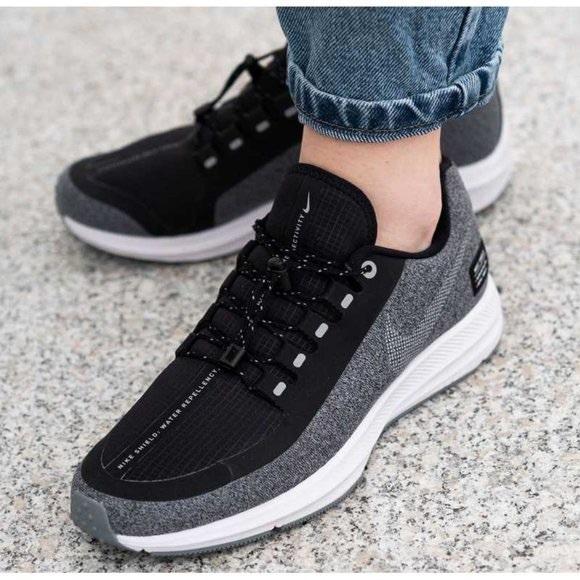 Ocurrencia ganador Penetrar  Nike Shoes | Nike Zoom Winflo 5 Run Shield Womens Running Shoe | Poshmark